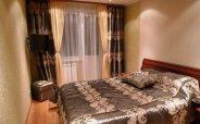 Шторы, покрывало, подушки и пуфф для спальни